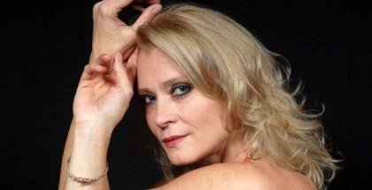 Teatro-Donna-Spezzata-Isabel-Russinova