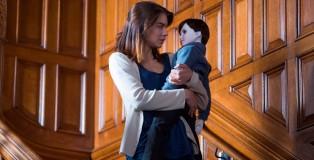 Lauren Cohan è Greta, bambinaia di una bambola inquietante, forse la reincarnazione di un bambino morto anni prima