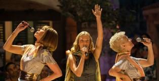 Mamma-Mia-Ci-risiamo_Christine-Baranski-Julie-Walters-Amanda-Seyfried