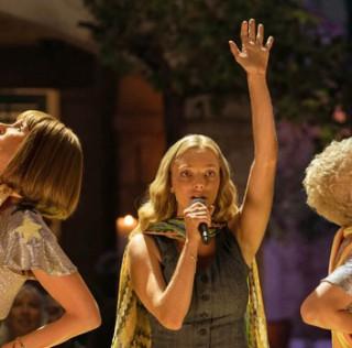 Mamma Mia! Ci risiamo, la recensione